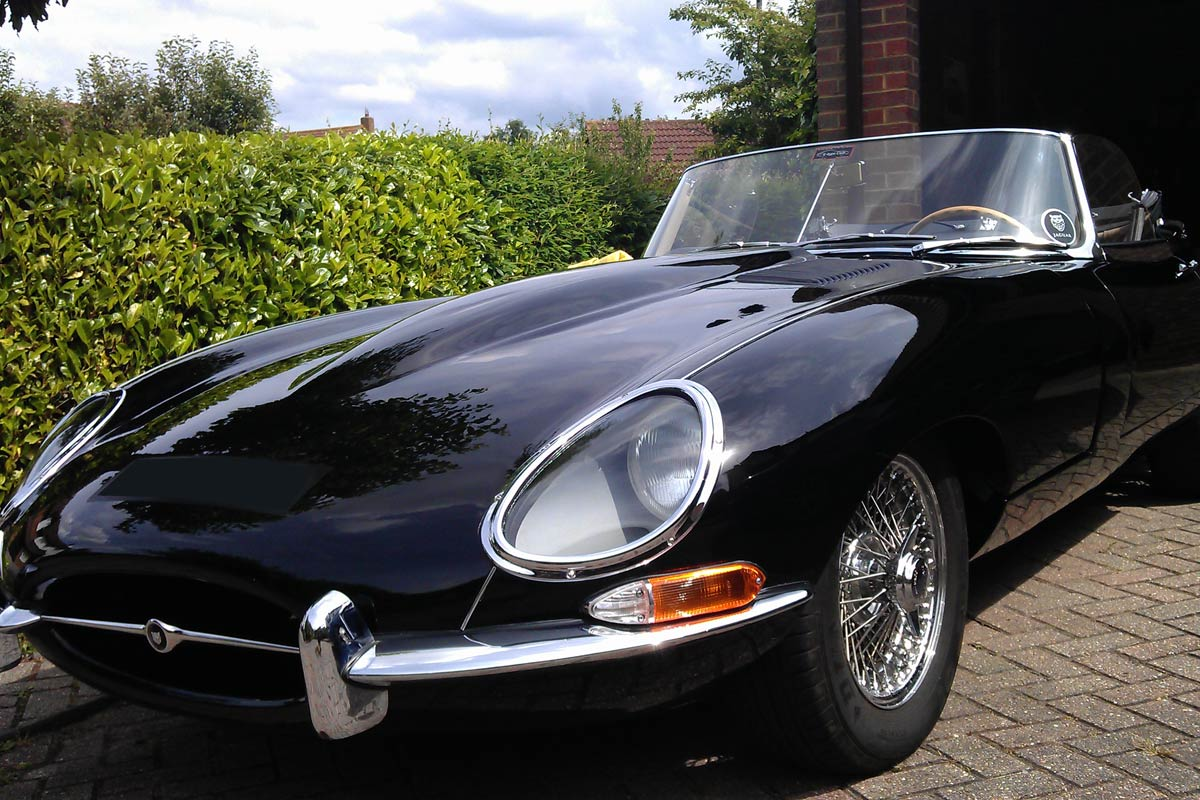 E-type Jaguar using Ultimate Shield from Airglide
